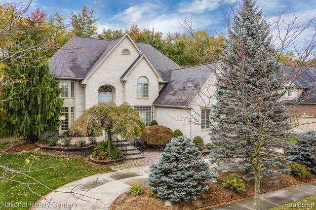 22495 Kensington, Novi, MI 48374 (#2210009080) :: Duneske Real Estate Advisors
