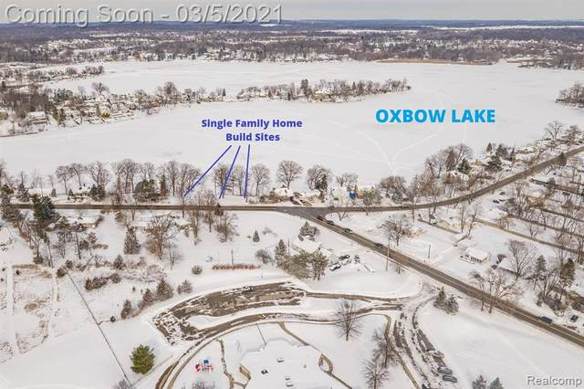 10262 Elizabeth Lake Road, White Lake Twp, MI 48386 (#2210009461) :: Real Estate For A CAUSE