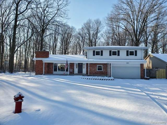 4045 Blueberry Ln, Fort Gratiot Twp, MI 48059 (#2210009925) :: The Merrie Johnson Team