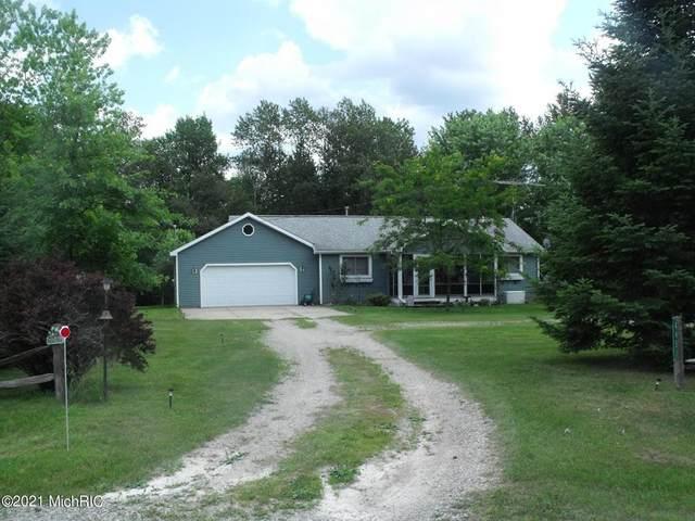 4451 Ridgeway Trail, Freeman Twp, MI 48632 (MLS #72021004637) :: The John Wentworth Group