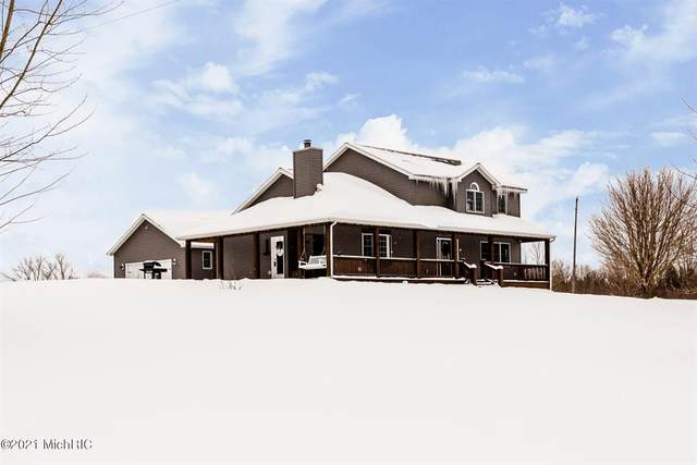 2250 S Meadowbrook Road, Bainbridge Twp, MI 49111 (#69021004674) :: The BK Agency