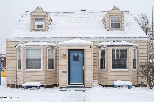 1394 Bishop Street, Benton Harbor, MI 49022 (#69021004677) :: The Mulvihill Group