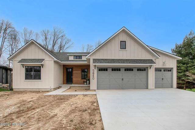 10411 Eastern Avenue SE, Gaines Twp, MI 49315 (#65021004862) :: The BK Agency