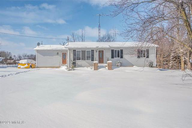 4090 S Ruess Rd, Out Of Area, MI 48867 (MLS #59021004851) :: The Toth Team