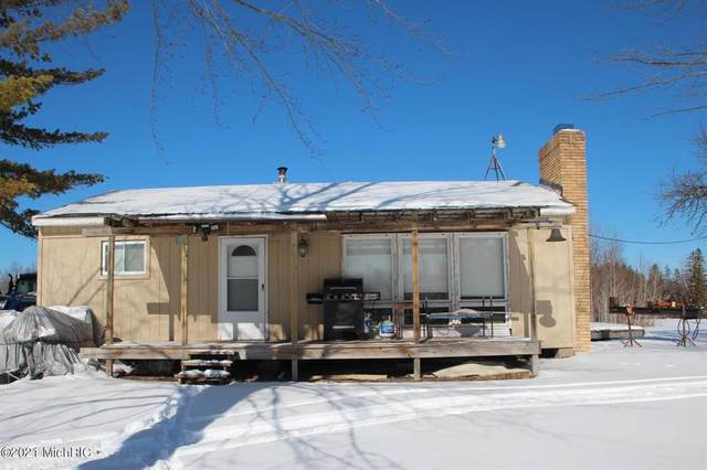 1560 KAISER RD RD, Out Of Area, MI 49744 (#53021004886) :: GK Real Estate Team
