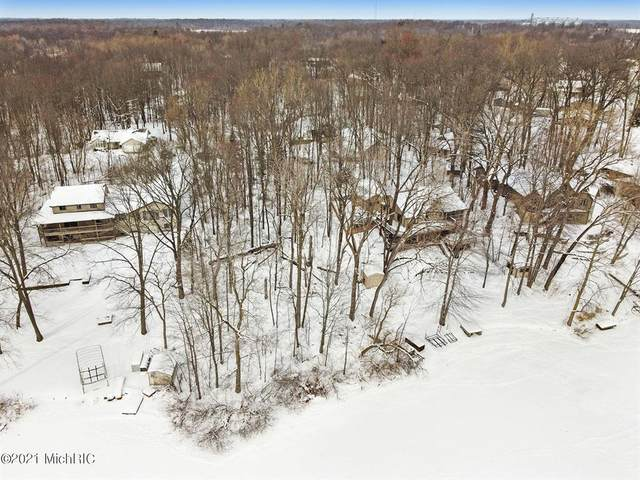 44829 Paw Paw Road, Paw Paw Twp, MI 49079 (#69021004956) :: Robert E Smith Realty