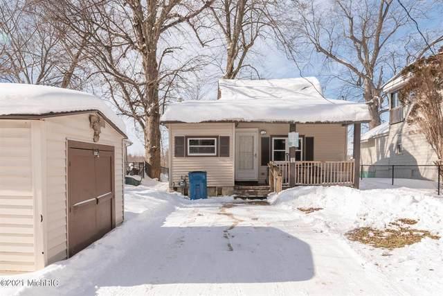 3779 Willow Drive NE, PLAINFIELD TWP, MI 49525 (#65021004982) :: The Alex Nugent Team | Real Estate One