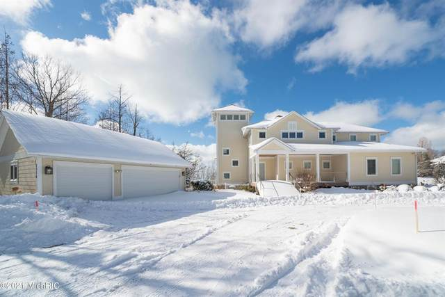 7376 Pinnacle Drive, Casco Twp, MI 49090 (#69021005014) :: Novak & Associates