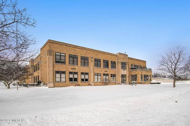 2214 S State Street #108, ST.JOSEPH CITY, MI 49085 (#71021005021) :: The Alex Nugent Team | Real Estate One