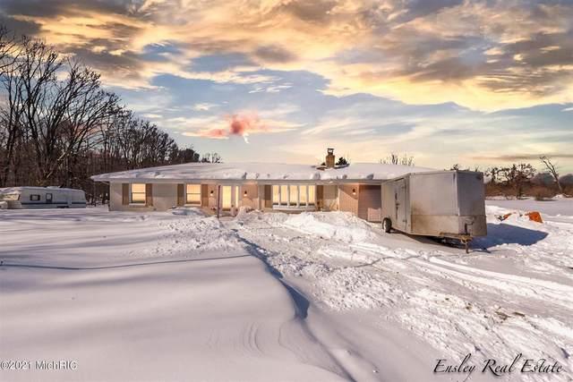15263 Pine Lake Avenue, Nelson Twp, MI 49319 (#65021005046) :: The BK Agency