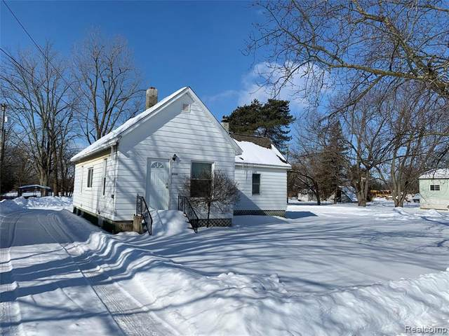 6599 Jefferson Rd Road, North Branch Vlg, MI 48461 (#2210011203) :: Real Estate For A CAUSE