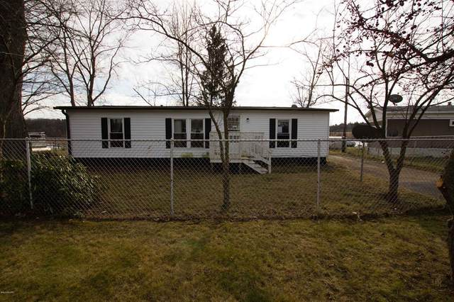 26265 Randall Road, Wayne Twp, MI 49047 (#69021005242) :: The Alex Nugent Team | Real Estate One