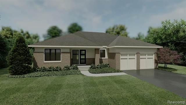 7311 Meadowlake Hills Drive, Bloomfield Twp, MI 48301 (#2210011518) :: GK Real Estate Team