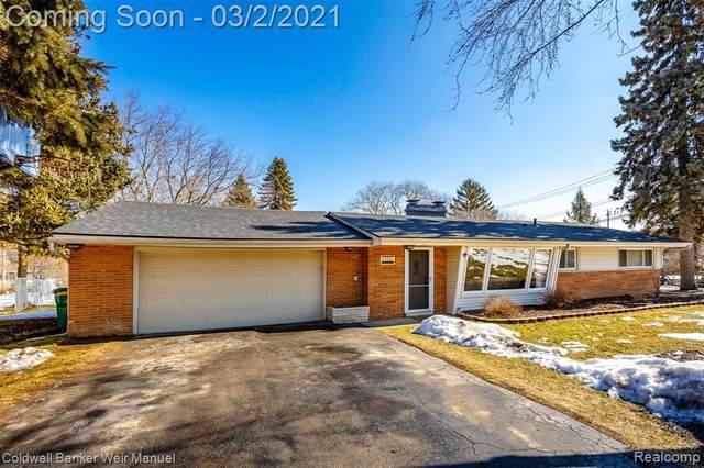 24230 N Lebost, Novi, MI 48375 (#2210011686) :: Real Estate For A CAUSE
