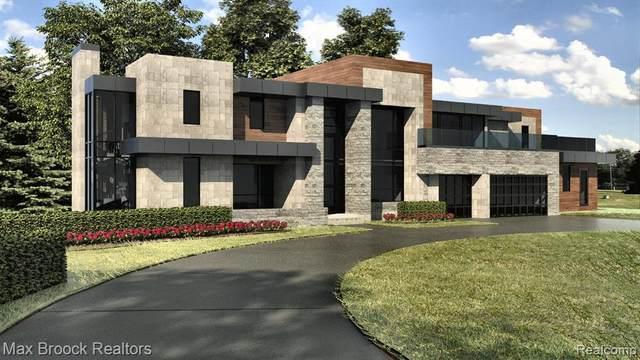 5365 Elmgate Bay Drive, Orchard Lake Village, MI 48324 (#2210011747) :: Duneske Real Estate Advisors