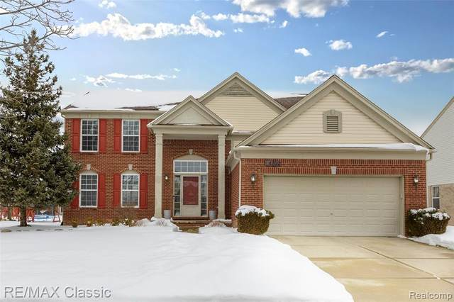 4702 Shoreview Drive, Canton Twp, MI 48188 (MLS #2210011988) :: The Toth Team