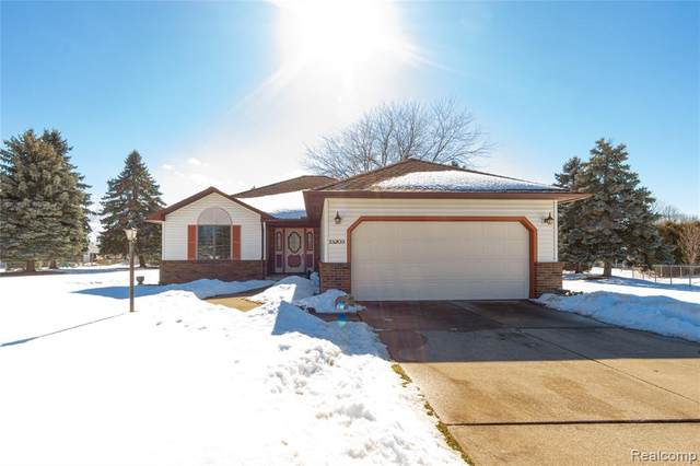 13203 Golden Court, Fenton Twp, MI 48430 (#2210012084) :: Real Estate For A CAUSE