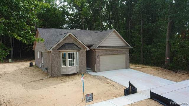 25905 King Road, Brownstown Twp, MI 48174 (#2210012094) :: The Mulvihill Group
