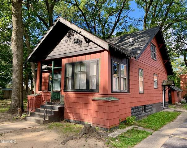 2513 Sanford Street, Muskegon Heights, MI 49444 (#65021005532) :: The Mulvihill Group