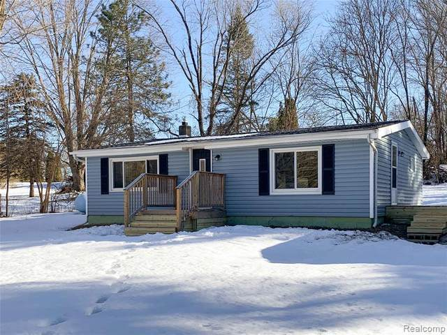 7087 S Geeck Road, Vernon Twp, MI 48429 (#2210012138) :: The Mulvihill Group