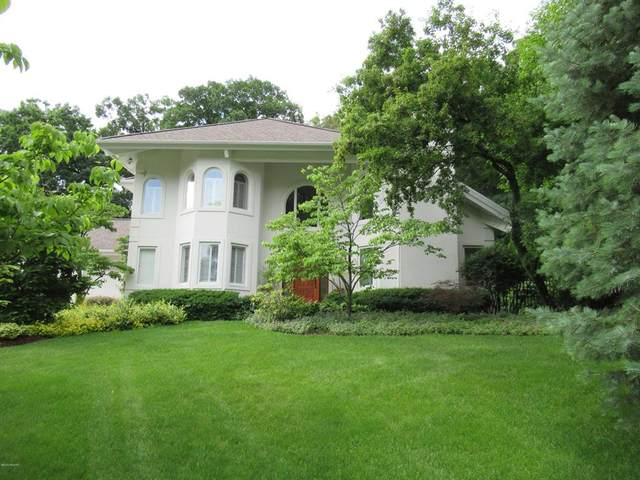 7383 Buccaneer Drive SE, Cascade Twp, MI 49546 (#65021005579) :: The Mulvihill Group