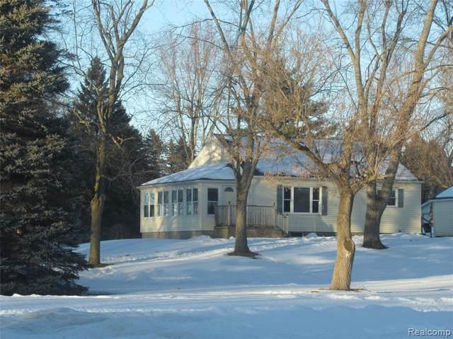 3852 N Lapeer Road, Mayfield Twp, MI 48446 (#2210012231) :: BestMichiganHouses.com