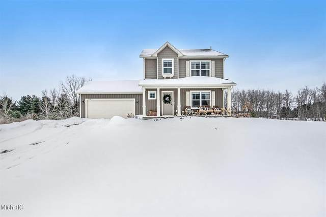 9134 Nature Meadows Drive NE, Courtland Twp, MI 49341 (#65021005595) :: The Alex Nugent Team | Real Estate One