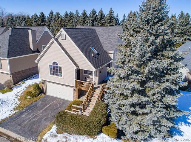 5609 Northcrest, Independence Twp, MI 48346 (MLS #2210012241) :: The John Wentworth Group
