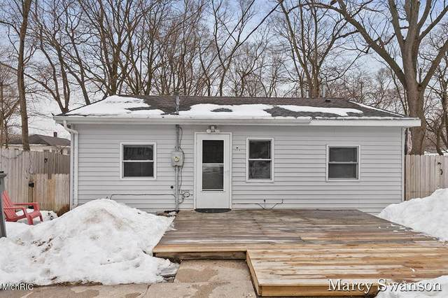 332 Janet Street SE, Wyoming, MI 49548 (#65021005639) :: GK Real Estate Team