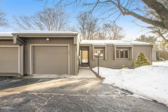 791 Brook Village Court, Holland, MI 49423 (#71021005640) :: The Alex Nugent Team | Real Estate One