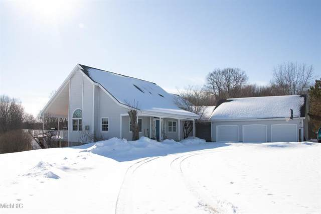 21259 Madison Avenue, Big Rapids Twp, MI 49307 (#72021005691) :: The Mulvihill Group