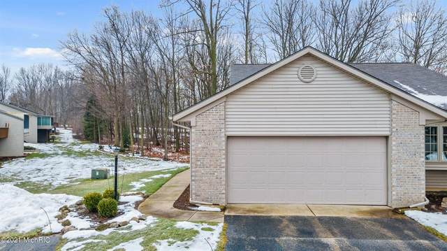 2543 Falcon Woods Drive NW #46, Walker, MI 49534 (#72021005735) :: The Mulvihill Group