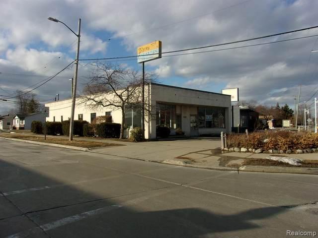 31201 Jefferson Avenue, Saint Clair Shores, MI 48082 (#2210012734) :: The BK Agency