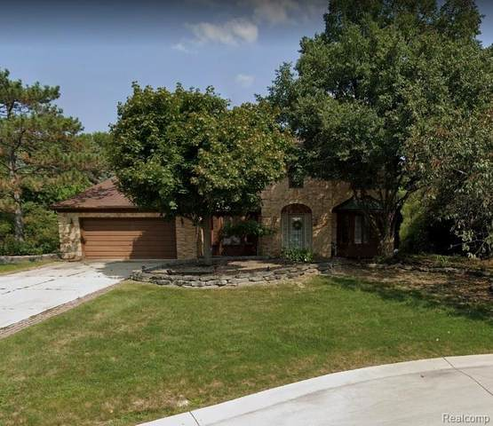 3027 Burlington Court, Rochester Hills, MI 48306 (#2210012831) :: Duneske Real Estate Advisors
