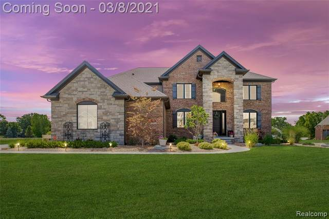 23594 Calm Meadow Court, Grosse Ile Twp, MI 48138 (#2210012898) :: BestMichiganHouses.com