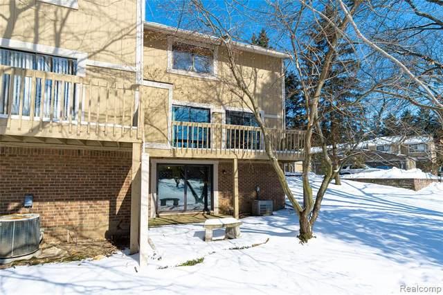868 Yorktown Court, Northville, MI 48167 (#2210013059) :: Duneske Real Estate Advisors