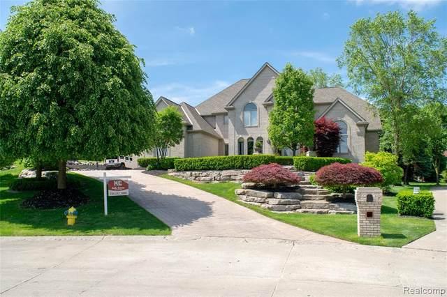 5025 Starcreek Lane, Washington Twp, MI 48094 (#2210013060) :: Novak & Associates