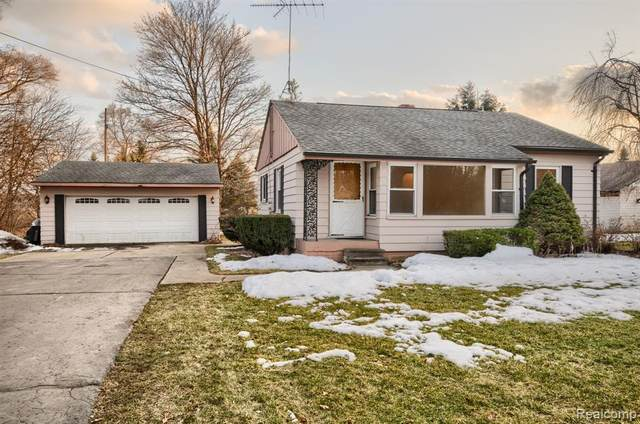 1103 W Livingston Road, Highland Twp, MI 48357 (#2210013092) :: The Merrie Johnson Team