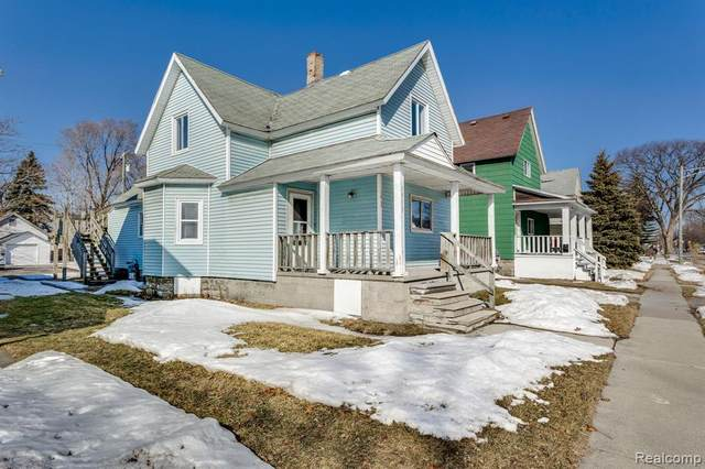 1913 16th St., Port Huron, MI 48060 (#2210013143) :: BestMichiganHouses.com
