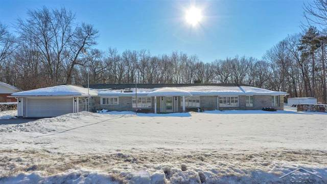 3120 Old Kawkawlin Rd, Monitor Twp, MI 48706 (#61050035202) :: Novak & Associates