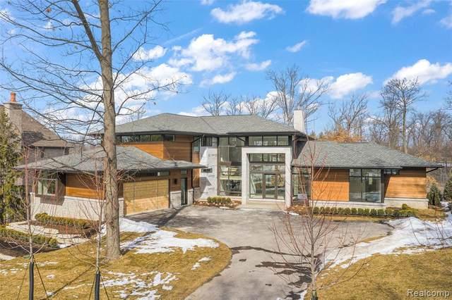 2718 Turtle Lake Drive, Bloomfield Twp, MI 48302 (#2210013471) :: GK Real Estate Team