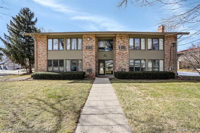 396 Concord Pl Apt 1 #1, Bloomfield Twp, MI 48304 (#2210013513) :: Alan Brown Group
