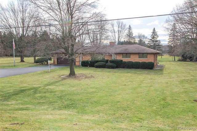4142 E Vienna Road, Thetford Twp, MI 48420 (#2210013606) :: Novak & Associates