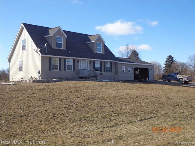 11905 Maplefield Drive, Conway Twp, MI 48418 (#2210013614) :: The Mulvihill Group