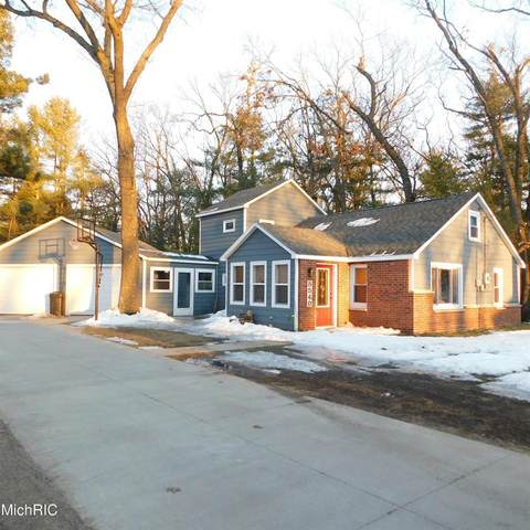 8540 S Spruce Avenue, Brooks Twp, MI 49337 (#72021006225) :: The Merrie Johnson Team