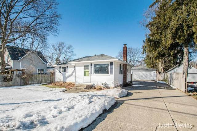3321 Prairie Street SW, Grandville, MI 49418 (#65021006230) :: The Merrie Johnson Team