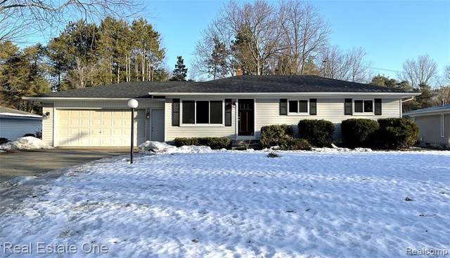 2222 Cole Road, Orion Twp, MI 48362 (#2210013865) :: Alan Brown Group