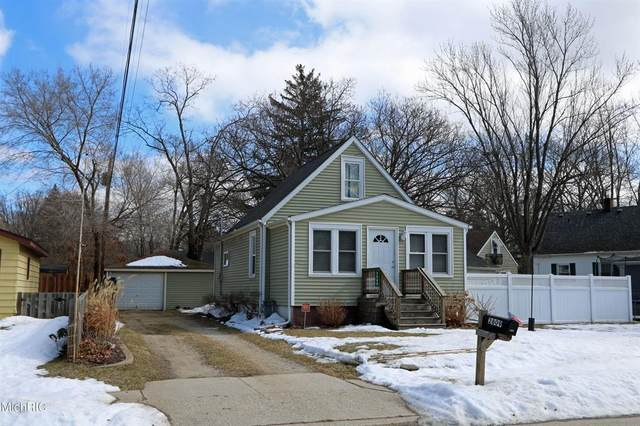 2809 James Avenue, ST.JOSEPH CITY, MI 49085 (#69021006324) :: The Mulvihill Group