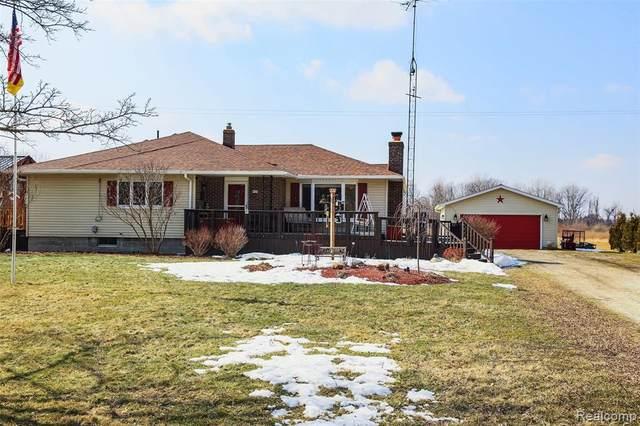 4325 Carrigan Road, Fort Gratiot Twp, MI 48059 (#2210013924) :: Novak & Associates
