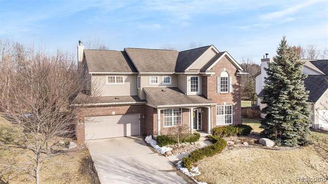 1758 Four Seasons Drive, Hartland Twp, MI 48843 (#2210013931) :: RE/MAX Nexus